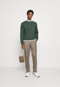 Selected Homme - SLHJASON CREW NECK - Collegepaita - sycamore - 1