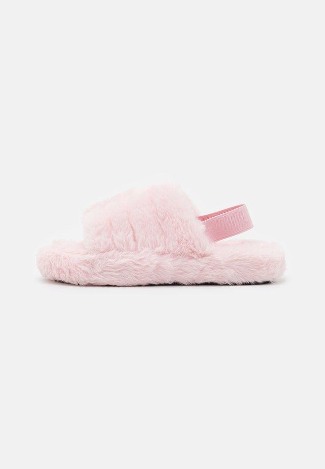 GIA - Slippers - blush