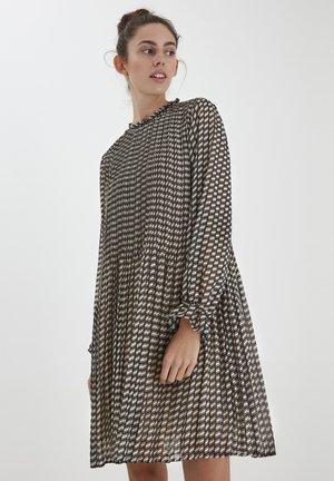 Day dress - tapioca