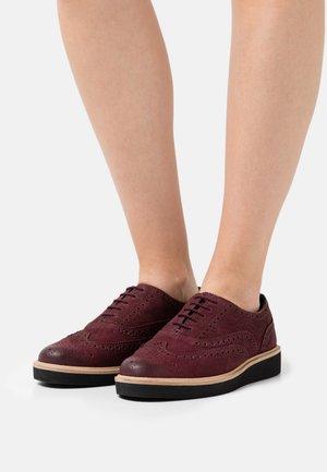 BAILLE BROGUE - Zapatos de vestir - burgundy