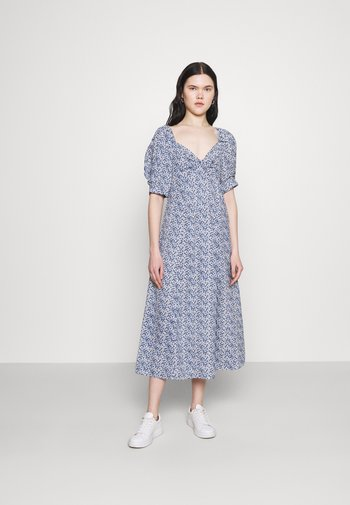 ONLSHAKIRA  MIDI DRESS - Vestido informal - cloud dancer/blue ditsy