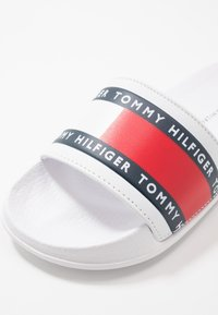Tommy Hilfiger - Sandalias planas - white - 2