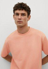 Mango - Basic T-shirt - rose pastel - 3