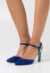 Menbur - Classic heels - blue - 0