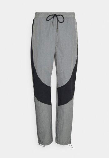 Pantalon de survêtement - smoke grey/black/(black)