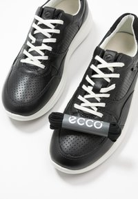 ECCO - SOFT 7 RUNNER - Trainers - black - 7
