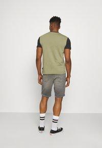 Calvin Klein - COLOR BLOCK - Print T-shirt - green - 2