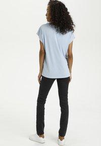 Kaffe - LISE - T-shirt basic - chambray blue - 2