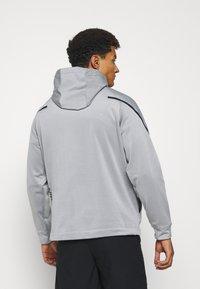 Nike Performance - Felpa con cappuccio - particle grey/black - 2