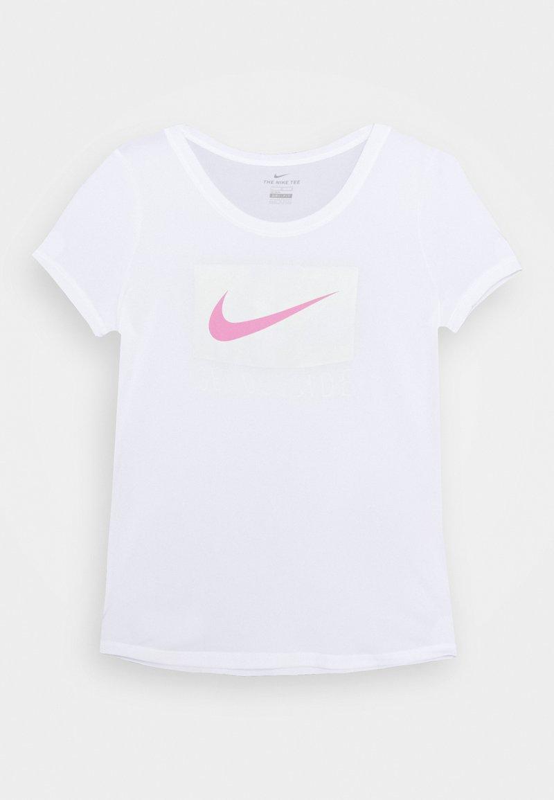 Nike Sportswear - DRY SCOOP - T-shirt z nadrukiem - white