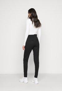 ONLY Tall - ONLPOPTRASH EASY FRILL PANT - Joggebukse - black - 2