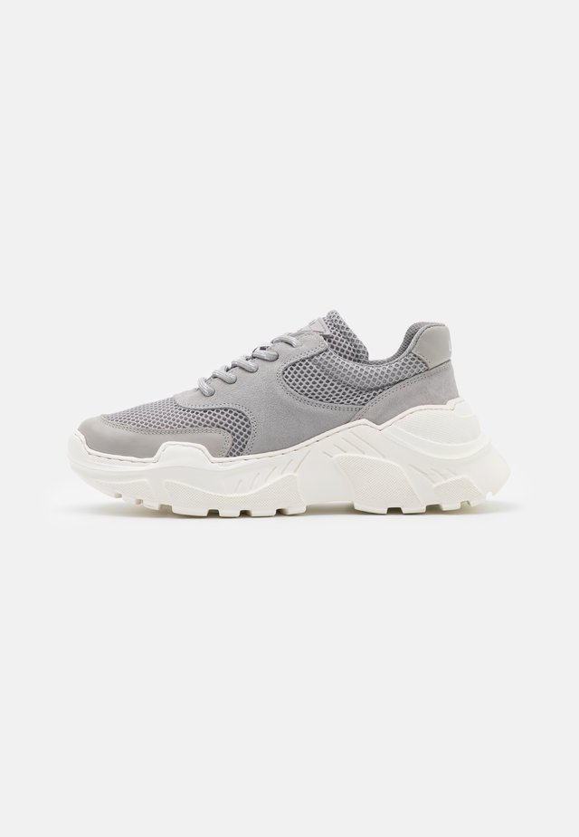 SPRINT  - Trainers - grey