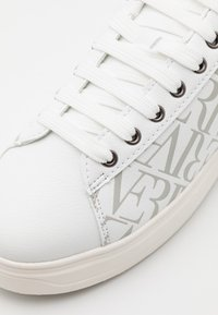 River Island - Trainers - white - 5