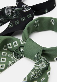 Pier One - BANDANA 2 PACK - Skjerf - black/olive - 1