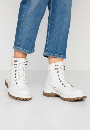 TRED TRAY - Lace-up ankle boots - white/shadow white