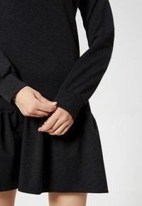 Talence - Vestito di maglina - black - 3
