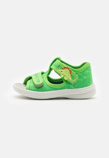 POLLY - Domácí obuv - grün