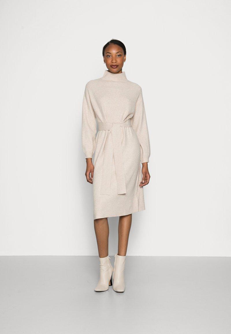 mine to five TOM TAILOR - DRESS BELTED - Jumper dress - powder beige melange