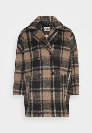 CHELSEA COAT - Zimní kabát - walnut