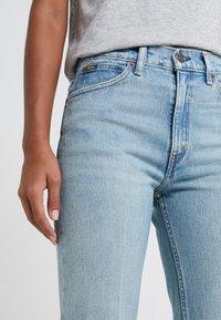 Polo Ralph Lauren - MIKAELA WASH - Flared Jeans - light indigo - 3