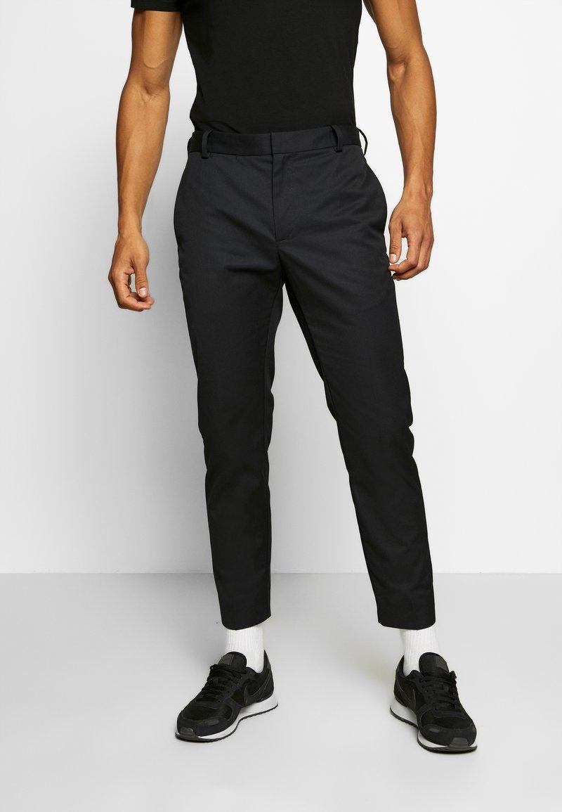 Wood Wood - TRISTAN TROUSERS - Pantalones - black