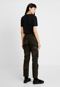 Carhartt WIP - CYMBAL PANT COLUMBIA - Trousers - evergreen - 2
