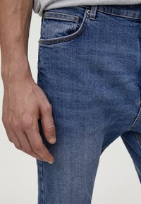 PULL&BEAR - Jean slim - light blue denim - 3
