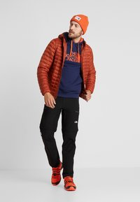 The North Face - THERMOBALL ECO HOODIE - Vinterjakke - picante red matte - 1