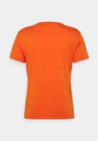 Polo Ralph Lauren - CUSTOM SLIM FIT JERSEY CREWNECK T-SHIRT - Basic T-shirt - college orange - 1