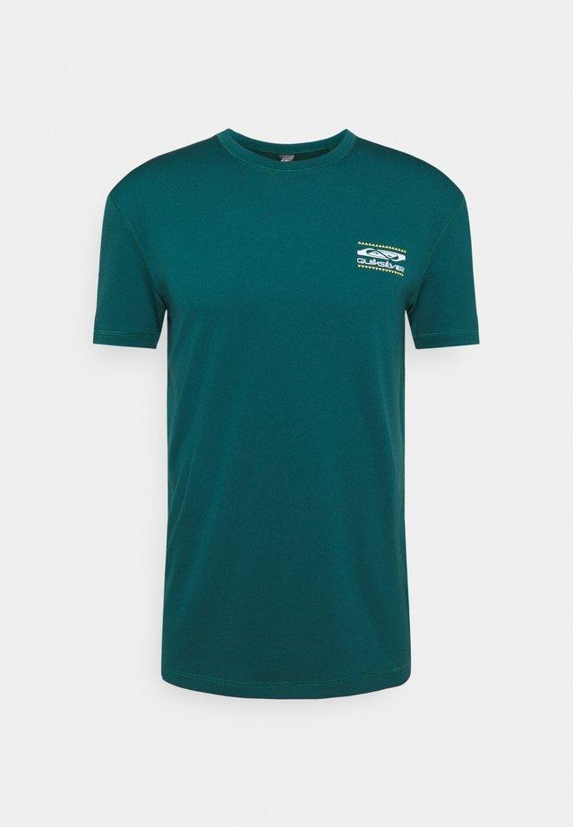 ARIDROCKSSS TEE  - Print T-shirt - atlantic deep