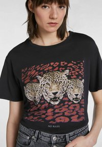 SET - Print T-shirt - black - 3