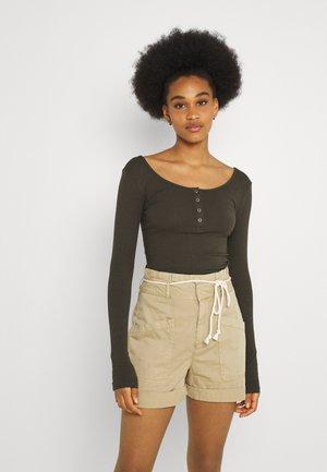 PCKITTE - T-shirt à manches longues - black olive