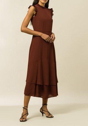 IVORY - Denní šaty - carmin