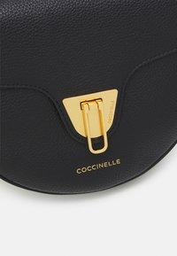Coccinelle - BEAT SOFT - Sac bandoulière - noir - 4