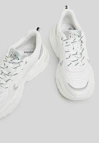 Bershka - Trainers - white - 4