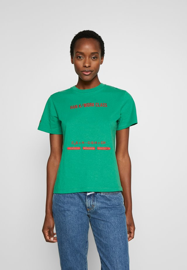 ARTWORK TEE - Print T-shirt - green