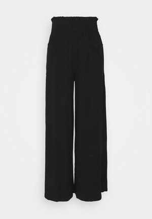 BLISSED OUT WIDE LEG - Pantalones deportivos - black