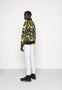 Versace Jeans Couture - JACKET - Chaquetas bomber - black - 2
