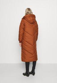 TOM TAILOR DENIM - REVERSIBLE MAXI PUFFER COAT - Zimní kabát - burnt hazelnut brown - 3