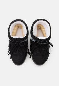 Moon Boot - CLASSIC LOW - Vinterstøvler - black - 5