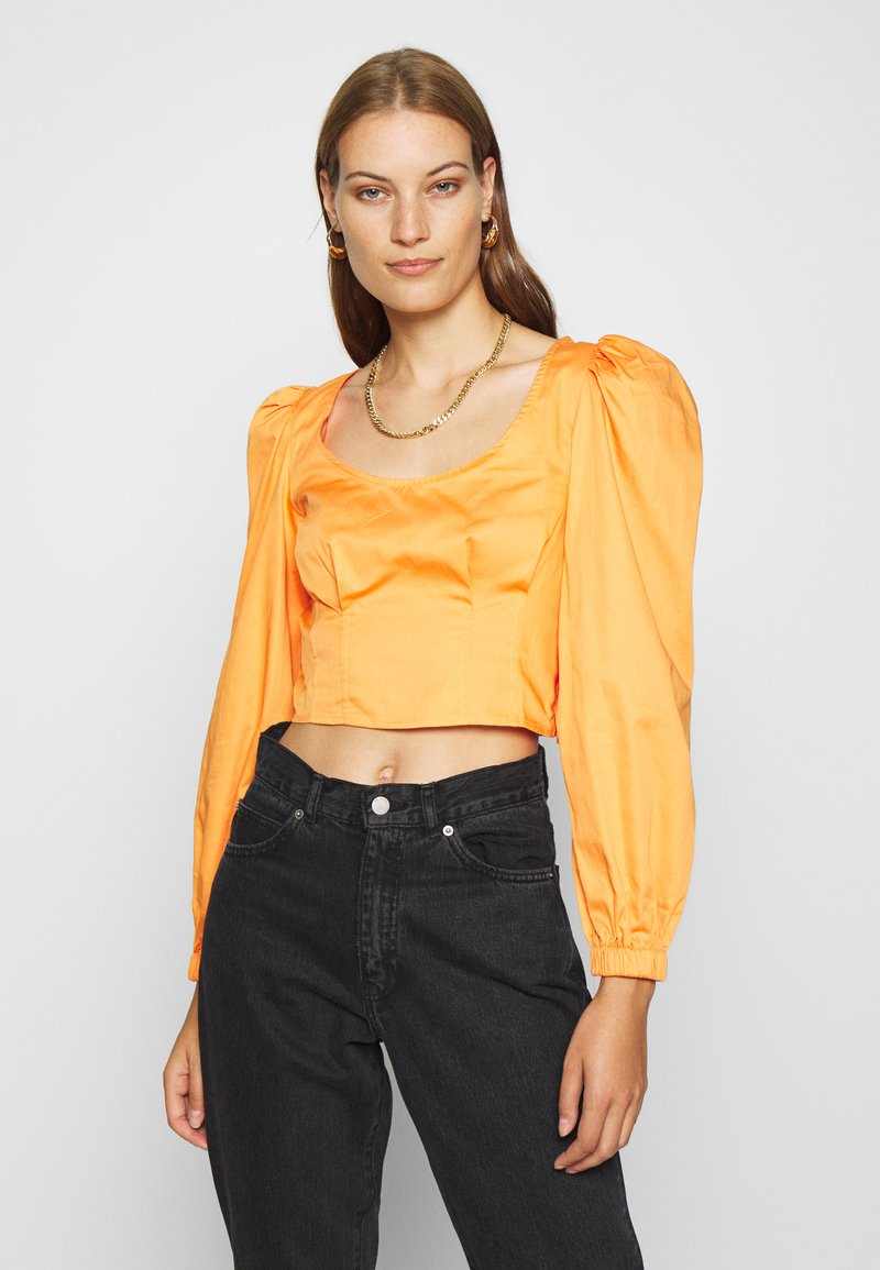 Who What Wear - CROPPED LONG SLEEVE - Blouse - cantaloupe