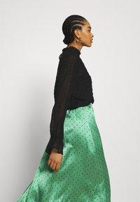 JDY - JDYDOTTIE SKIRT - Maxi skirt - loden frost/eclips dots - 3