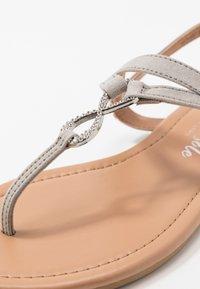 New Look - HOOPER - Flip Flops - mid grey - 2