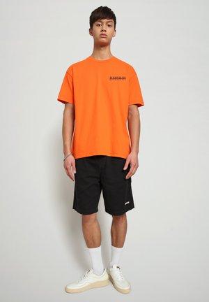 S JURASSIC - Print T-shirt - orangeade