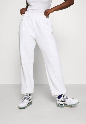 MR PANT - Tracksuit bottoms - white/black