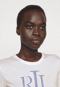 Lauren Ralph Lauren - T-shirt z nadrukiem - white - 3