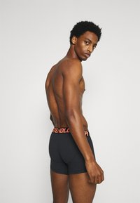 Hollister Co. - 5 PACK CORE SOLID - Shorty - black - 1