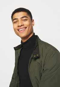 Barbour - ROYSTON CASUAL - Summer jacket - olive - 4