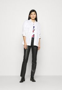 Desigual - Designed by Mr. Christian Lacroix - T-shirts med print - white - 1