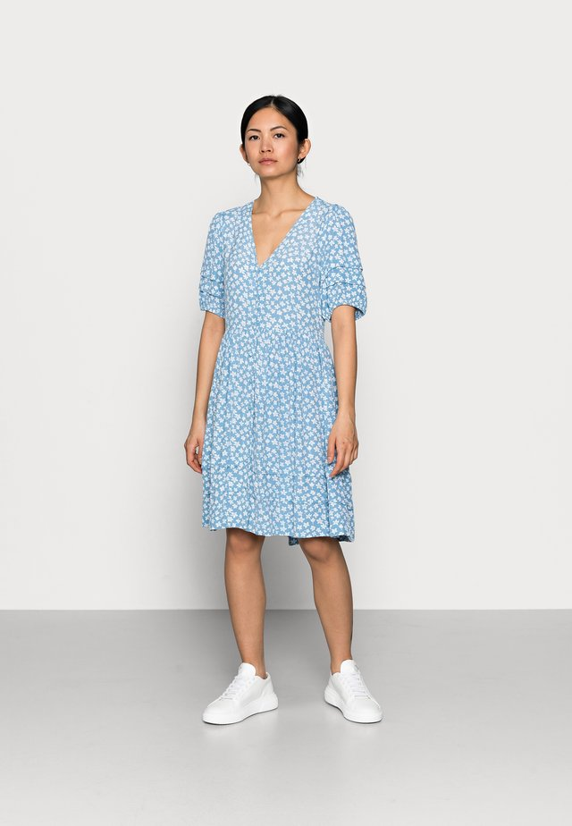 YASLURA DRESS - Kjole - dusk blue/lura aop